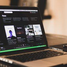 ¿Por qué las disqueras se enojaron con Spotify? (Y ¿qué representa esto?)